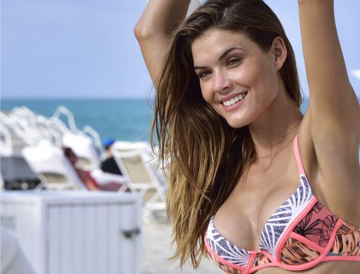 Sexy colorful bikini Beautiful Girl